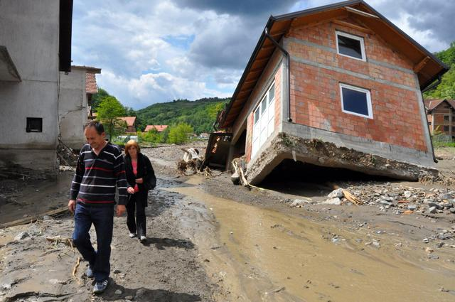Balkans floods claim dozens of lives